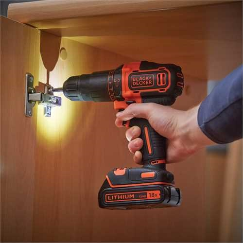 Black And Decker - Taladro percutor 18V  cargador 400mA  1 batera - BDCHD18K