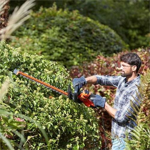Black and Decker - Cortasetos 500W 55cm con hoja de sierra - BEHTS401