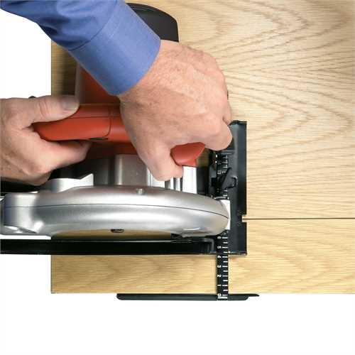 Black and Decker - Sierra Circular con Cable 1100W 55mm profundidad de corte - CD601