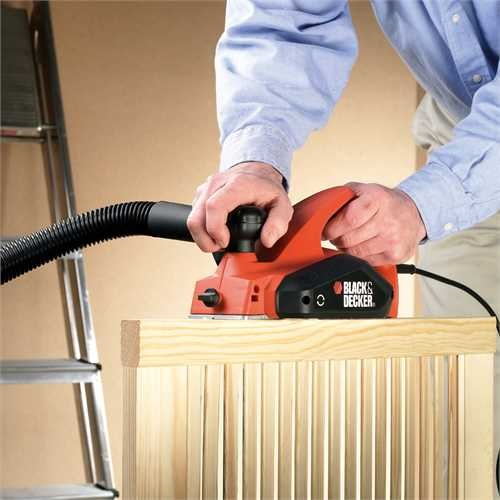 Black and Decker - Cepillo elctrico 650W - KW712